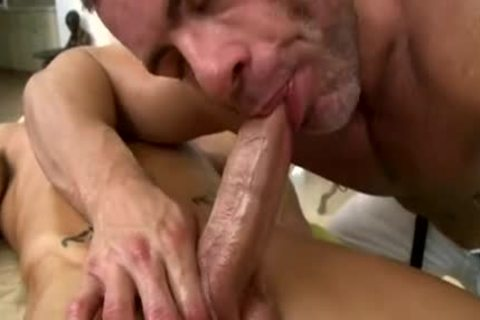 muscular cutie's first homo engulf and nail