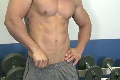 Muscle males In Gim