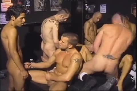 Euro hunks jerking off in group sexparty