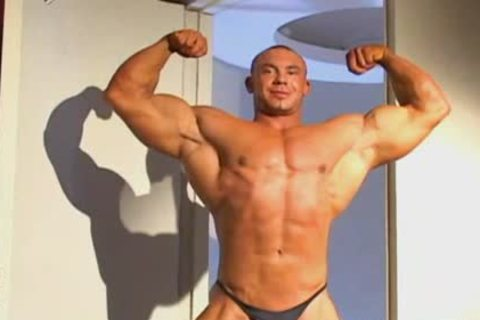 Muscle hunk gay tube