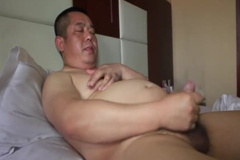 oriental Daddy Bear Shows Off sleazy Body And Cums Like Fountain