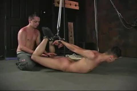 Twink gets a facial after getting fucked