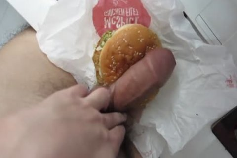 have a enjoyment The Rich sperm Burger! Guten Appetit!
