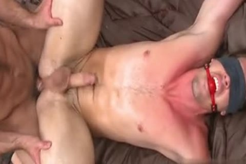 young Brothers bawdy booty To face hole