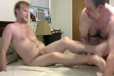 In A Last Minute Invite, WngXStpXCub Comes Over And We Enjoying blowing Each Other, ass fucking His ass, giving a kiss Etc.  In This clip Is The First Time The Cub Has Taken A 10-Pounder Up His ass And that chap Handles It Like A Pornstar.  A