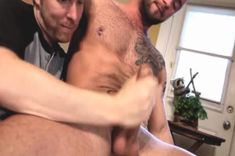 Two muscular males Who Love Playing With penis