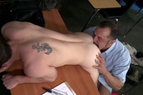 A daddy Teacher Sodomizes His Student!