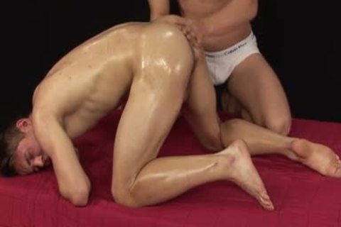 Vilem Posto gets Oily Massage