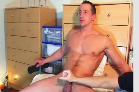 Full video: A innocent straight Neighbour acquires Serviced His massive penis By A lad!