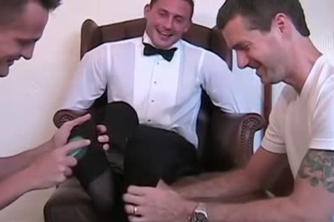 Newly Married Davis receives fastened Down To The Chair And Tickled