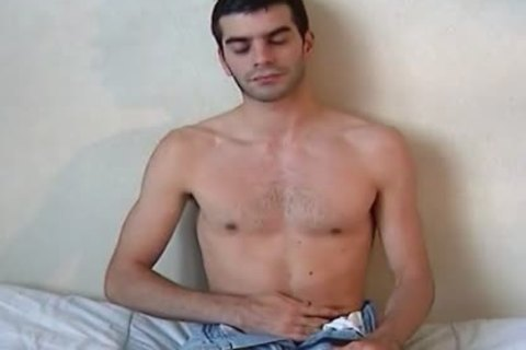 Full video: A blameless Delivery twink Serviced His large penis By A twink!