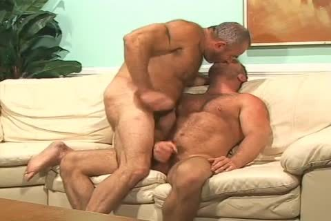 brunette Muscled lad acquires banged In His wazoo