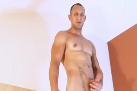 Full clip: Igot S gigantic Straight lad dick !