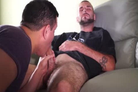 sucking A 8″ Construction Worker cock