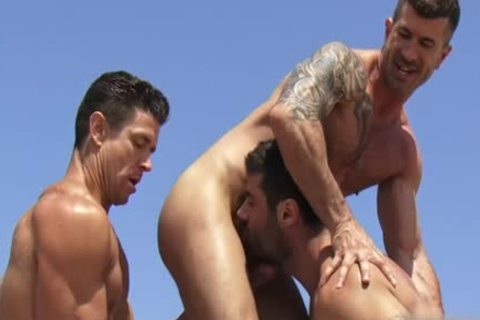 large dick homo threesome With cumshot