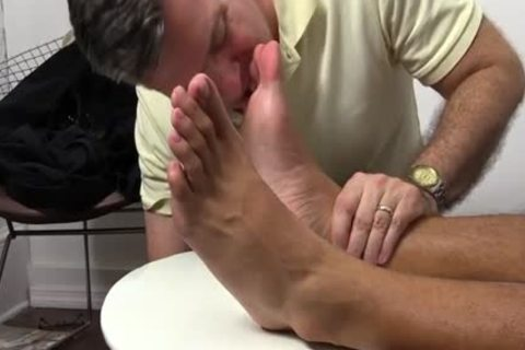 RJ Feet Sniffing Becomes Worshiping