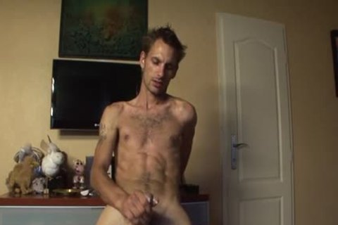 Skinny Bum lad lucky Jerks Off His Pike