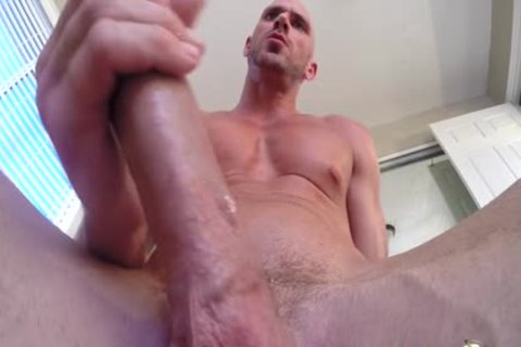 Porn chap Johnny Sins Jerks Off while Working Out