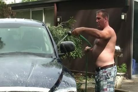 Daddy Jerks Off whilst Washing Truck