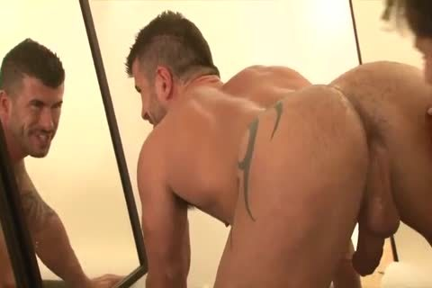 LE-Adam Killian-JonathanAgassi
