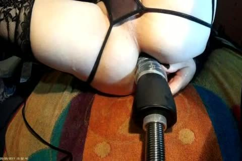 Fi Fi In dark With hammering Machine HAND dildo FRONT