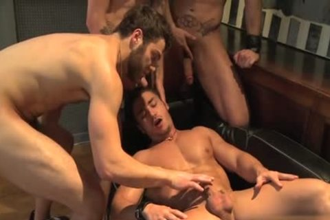Muscle homosexual oral stimulation sex With cumshot