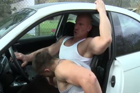Muscle Daddy arse stab And cumshot