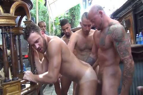MusclePup Logan Moore gets gang gangbanged & Barebacked plow