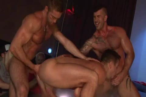 Stripshow Porn DP gangbang On Stage