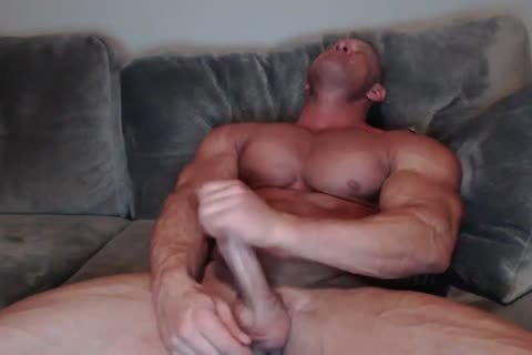 old Bodybuilder stroking
