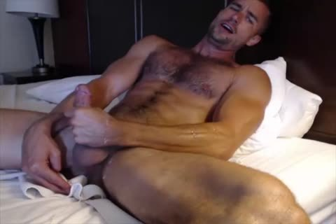 Dilf With Vibrating vibrator On web camera