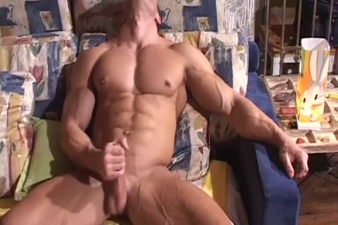 Bodybuilder Muscle Worship