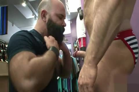 Muscled daddy wazoo Nailed doggy style