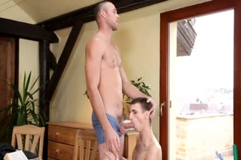 Twink likes his daddy