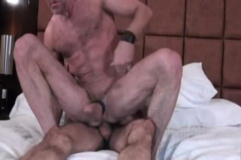 Two hairy Hunks bare