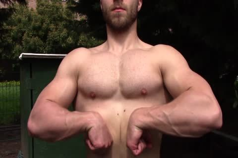 Shirtless Muscle Hunk Showing Off