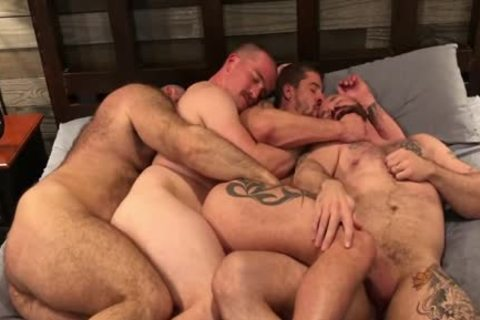 Bear foursome hard fuck