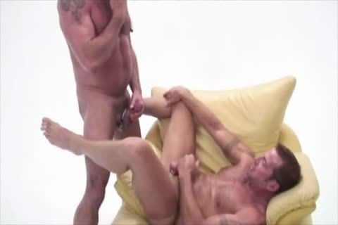 Peter And David engulf dick