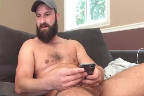 Bearded man Jerks Off On cam