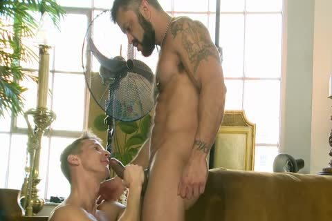 Rogan Richards plows Darius Ferdynand
