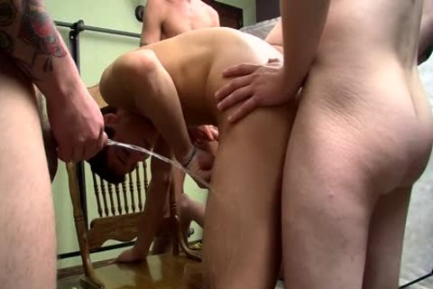 cocksucker Bryce Corbin Blindfolded And urinated On orgy