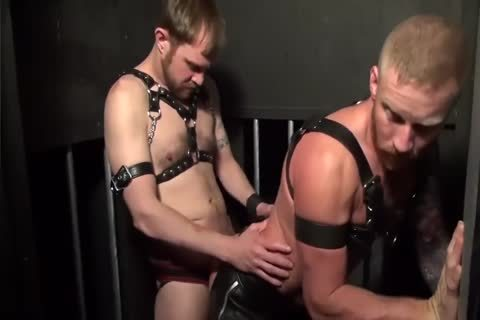 Muscle Leathermen raw In Bathhouse