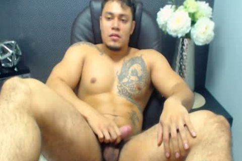 Flirt4Free Model Allen Ferrer - Latino Hunk With hairy Pubes Jerks His knob