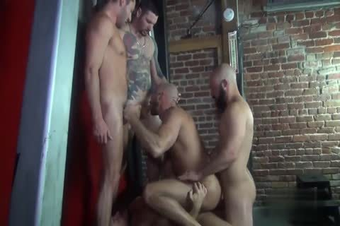 Jessie's bare group-sex