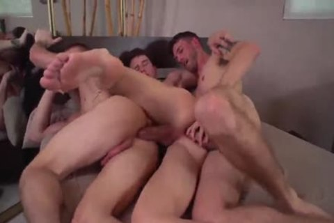 A 3some Worth Watching