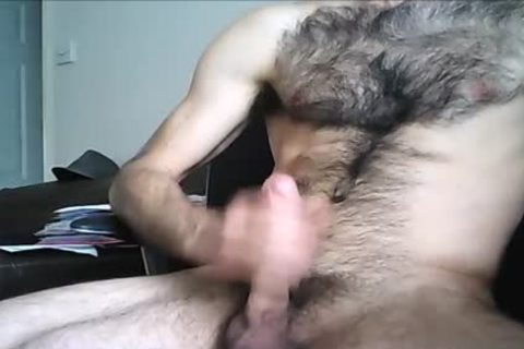 Hung guy Drenches His hairy Chest