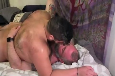 Bear pounds Daddy unprotected