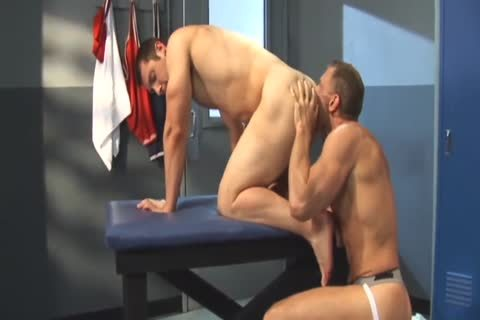 David Dakota Rides Chris Thomas - jock Tease