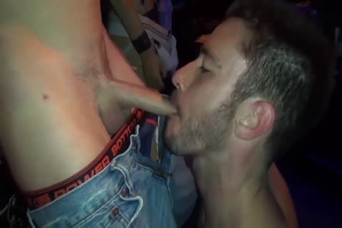BRET & SEAN GOGO group-sex IN THE CLUB