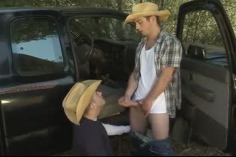 Country boys Try Buddy Bating
